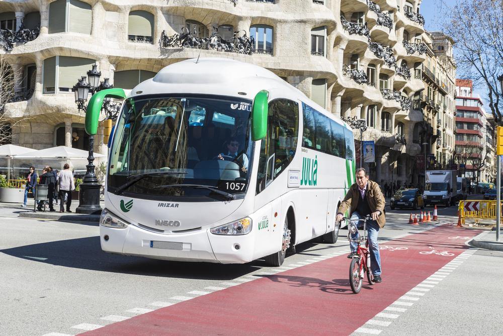 Barcelona bus lane and bike
