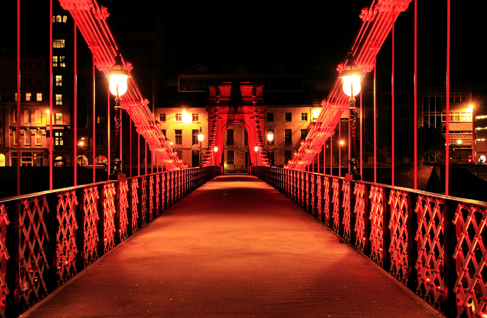 glasgow-bridge-at-night-lighting